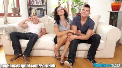 Preview 1 of Doghouse Mmf Anal Bi-curiosity