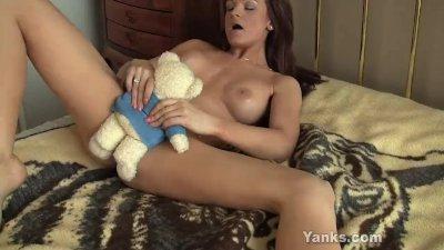 Sexy Janessa Masturbating Her Twat