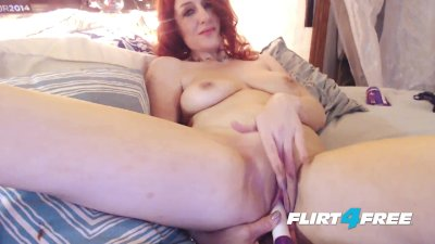 Hot MILF Wanting to Orgasm and Squirt