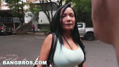 Preview 2 of The Bangbus In Colombia Fucking A Big Booty Latina Milf