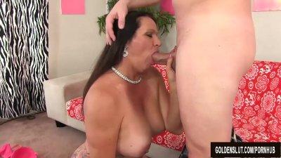 Mature woman Leylani Wood takes cock