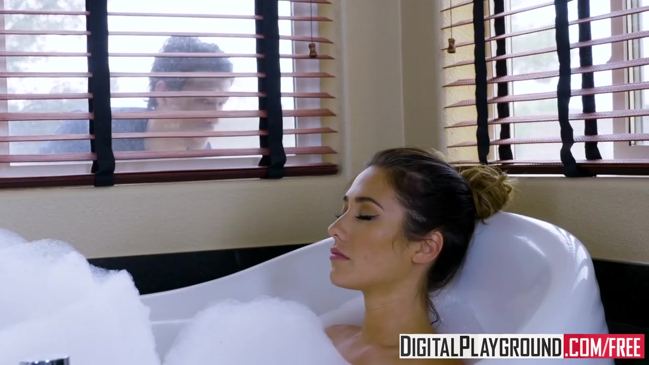 Preview 4 of Digitalplayground - Eva Lovia Gets Pounded By Xander Corvus In The Bathtub