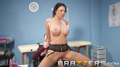 Brazzers - Dirty Doctor Ania Kinski gets pounded