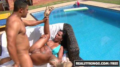 RealityKings - Mike in Brazil - Islavoika Loupan - Warm Wet