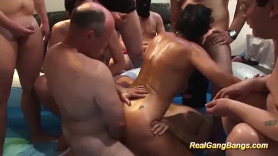 german mom gets oiled and banged