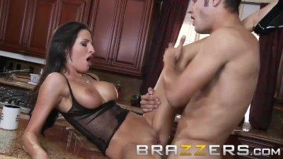 Brazzers - Hot brunette milf Kortney Kane cucks her bf