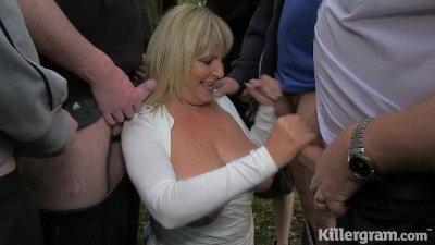 Killergram Dogging Slut Granny Alisha Rhydes sucks of strangers in a field