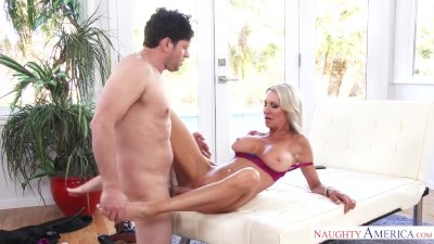 Naughty America Emma Starr fucking in the couch