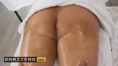 Preview 4 of Brazzers - Dirty Masseur Keiran Lee Rubs Out 2 Thicc Chicks