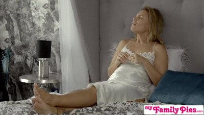 Preview 1 of Step Sister Tiffany Tatum Creampied Showing Me The European Way S11:e5