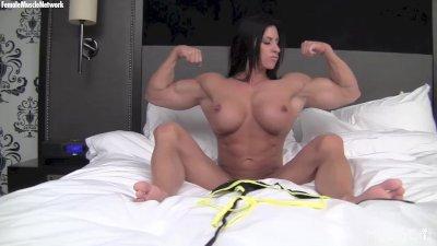 Naked female bodybuilder fucks a vibrator big pussy lips