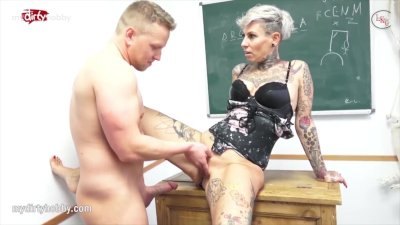 MyDirtyHobby - College students have a quick fuck in the classroom