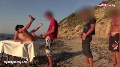 MyDirtyHobby - 5 guys take turns on gorgeous MILF at the beach