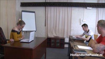 Preview 6 of Lerares Engels Krijgt 2 Harde Pikken