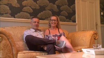Preview 2 of Lekkere Volle Huisvrouw Wil Harde Pik