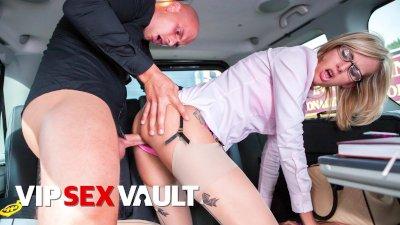 FUCKEDINTRAFFIC - JENNY SMART TAKES BIG COCK IN PUBLIC CAR SEX - VIPSEXVAULT
